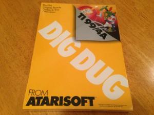 Dig Dug™, Packaging Front Atarisoft RX 8509, TI-99/4A © 1983 Atari, Inc.