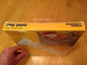 Dig Dug™, Packaging Top Atarisoft RX 8509, TI-99/4A © 1983 Atari, Inc.