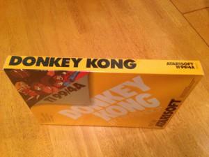 Donkey Kong, Packaging Right Side Atarisoft RX 8512, TI-99/4A © 1983 Atari, Inc.